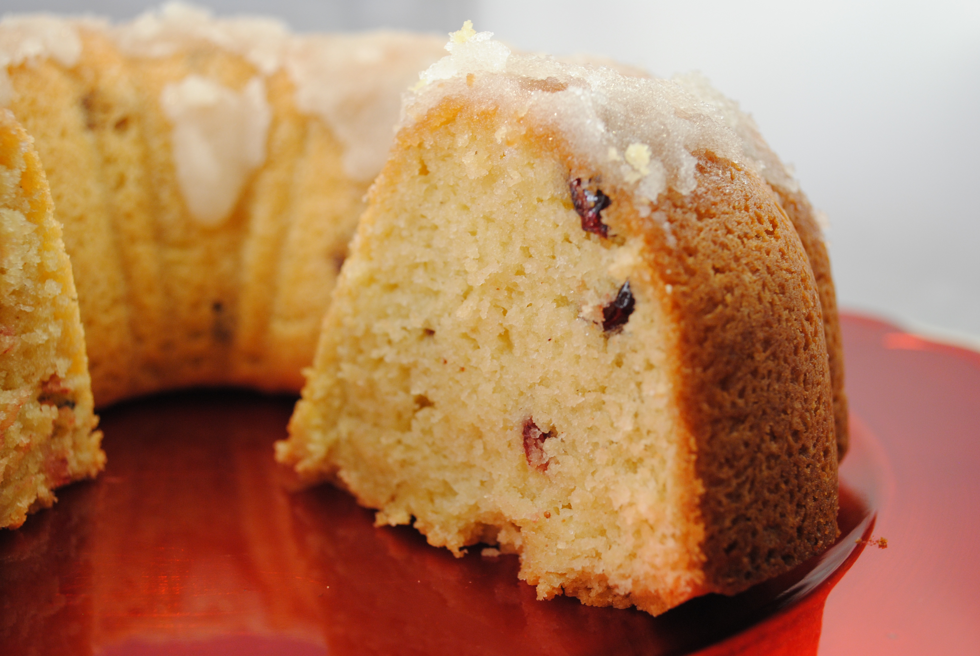 "Vegan ""Rum-nog"" Poundcake with Cranberries"