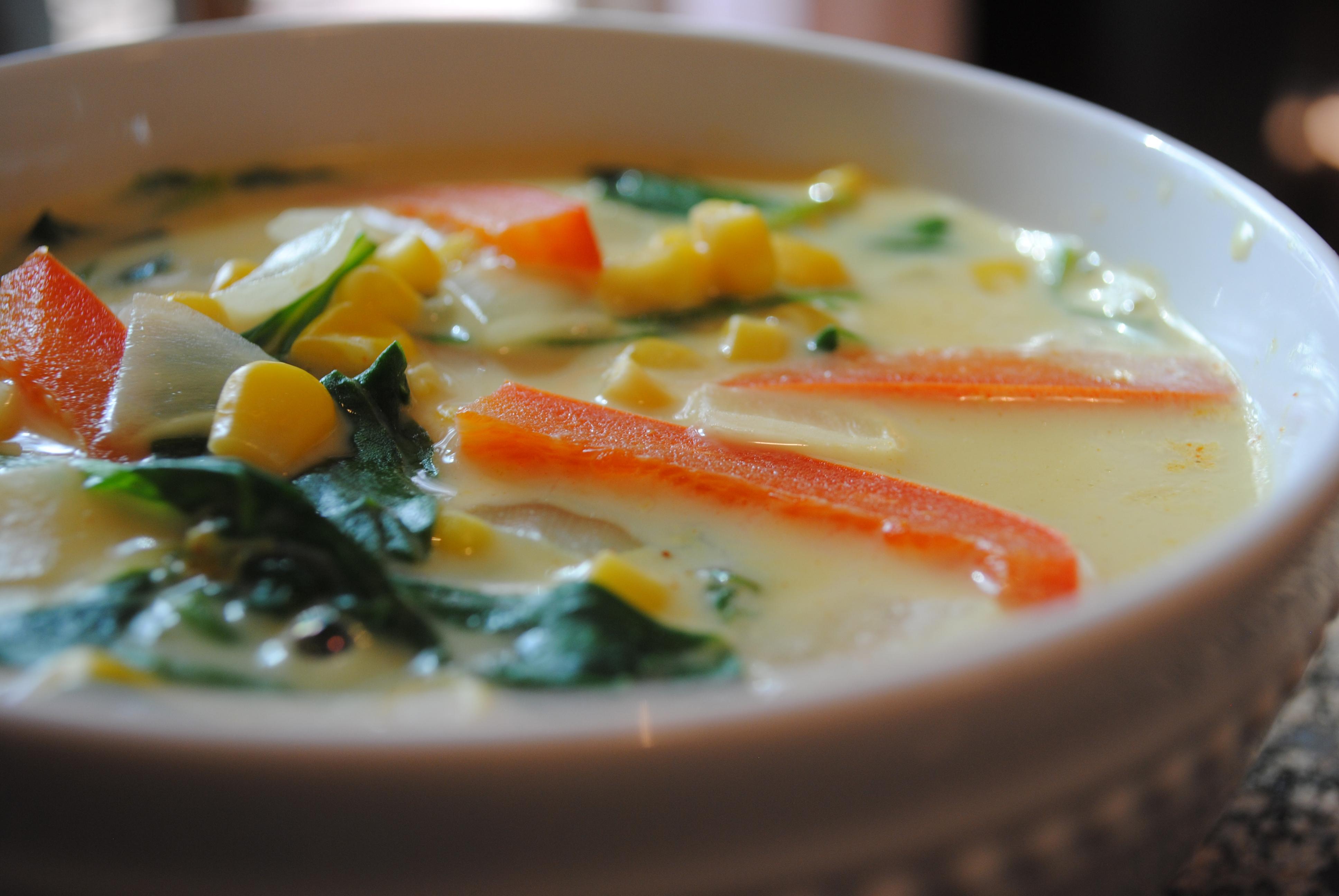 Vegan Thai-Curry Corn Soup