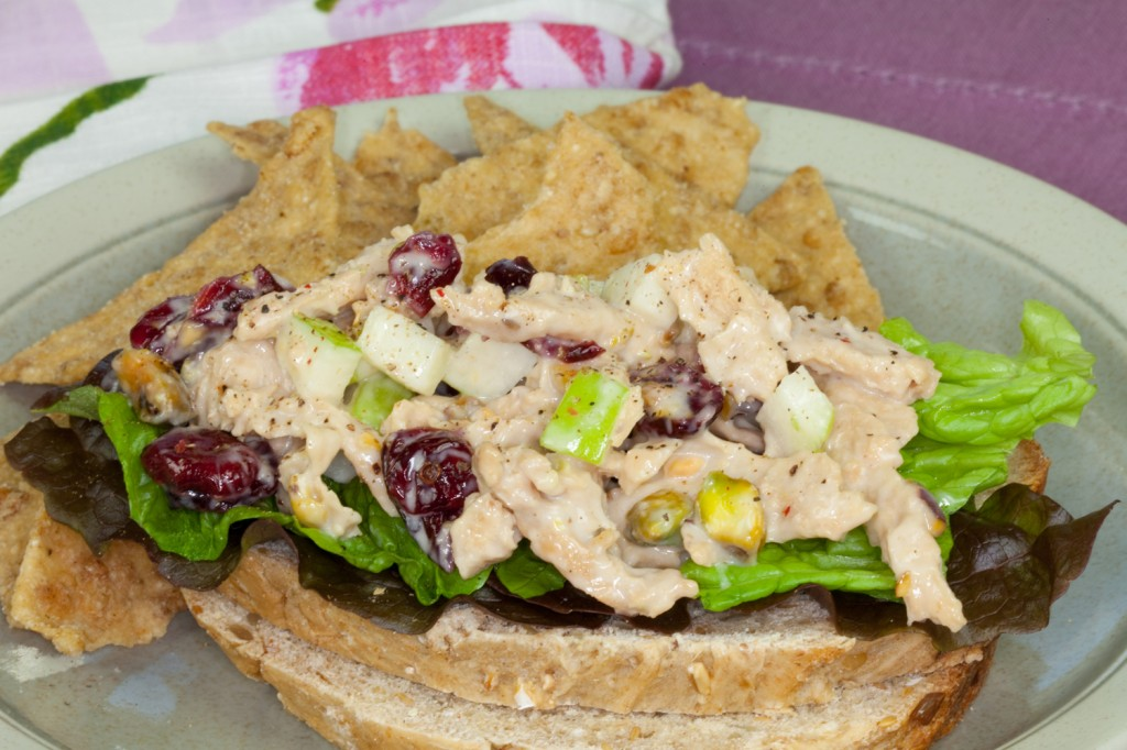 Chik'n Salad with Cranberries and Pistachios #vegan
