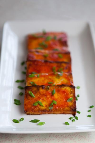 Agave Sriracha Tofu | www.thatwasvegan.com