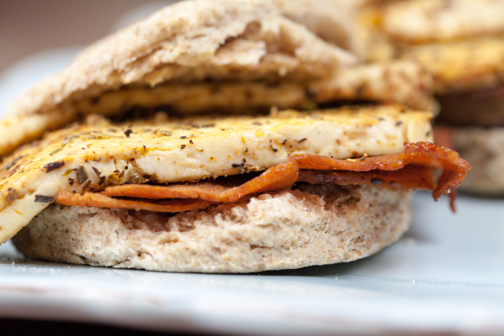 Easy Vegan Breakfast Sandwiches | www.thatwasvegan.com