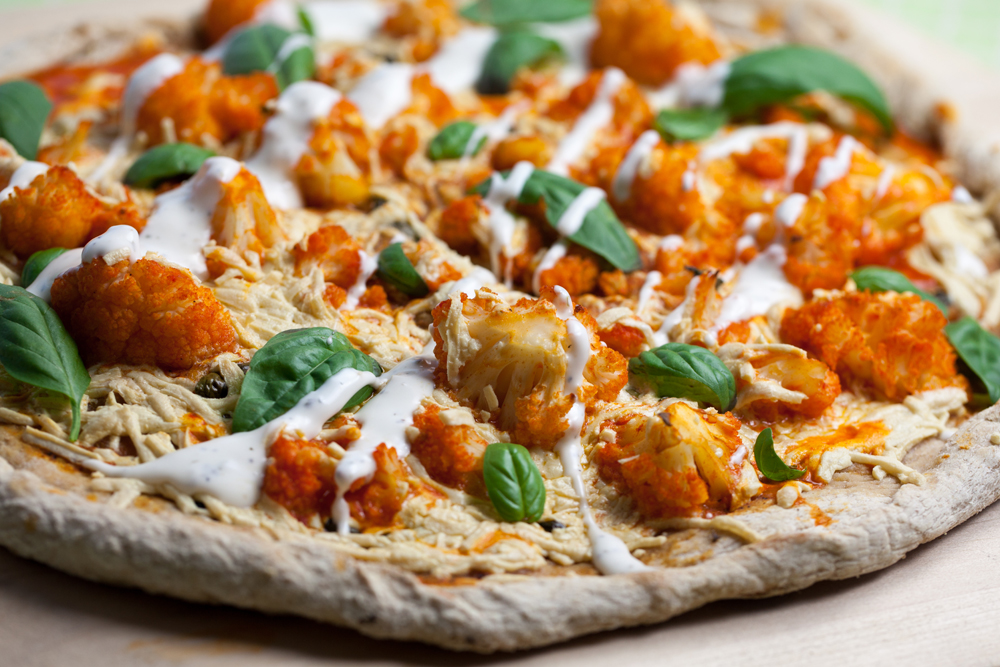 Buffalo Cauliflower Pizza | www.thatwasvegan.com