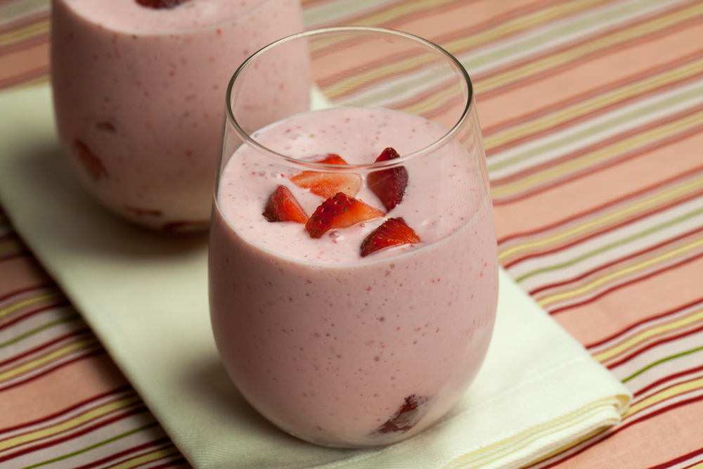 Strawberry Cheesecake Milkshakes | www.thatwasvegan.com