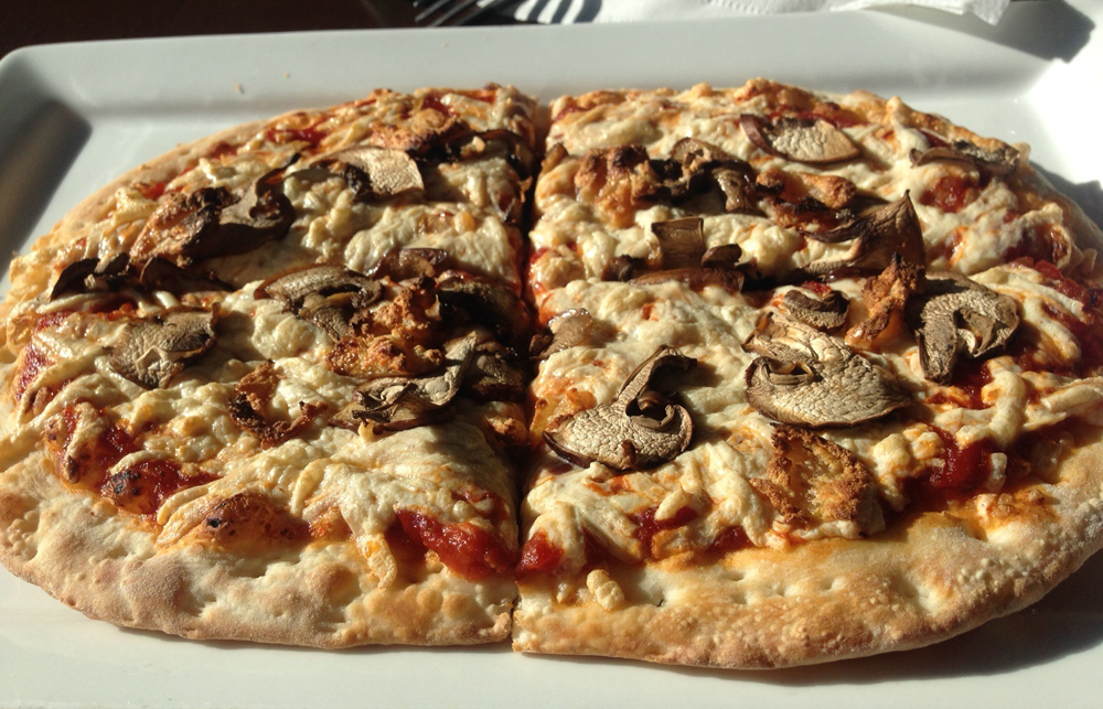 Mile High Vegan Eats: Pizza Fusion | www.thatwasvegan.com