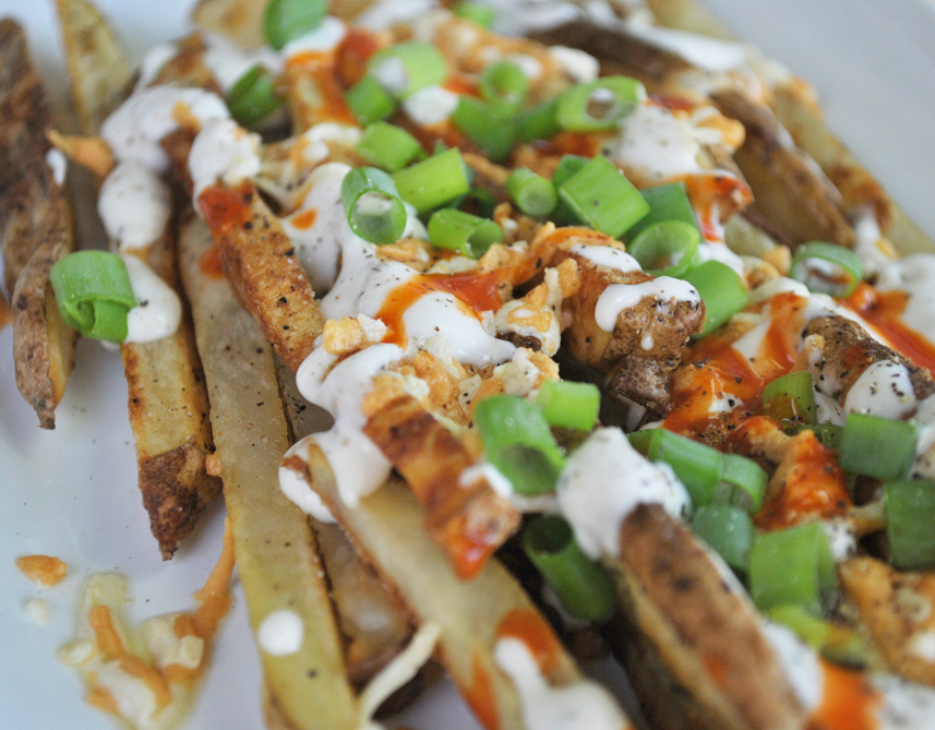 Cheesy Buffalo Ranch Fries | www.thatwasvegan.com