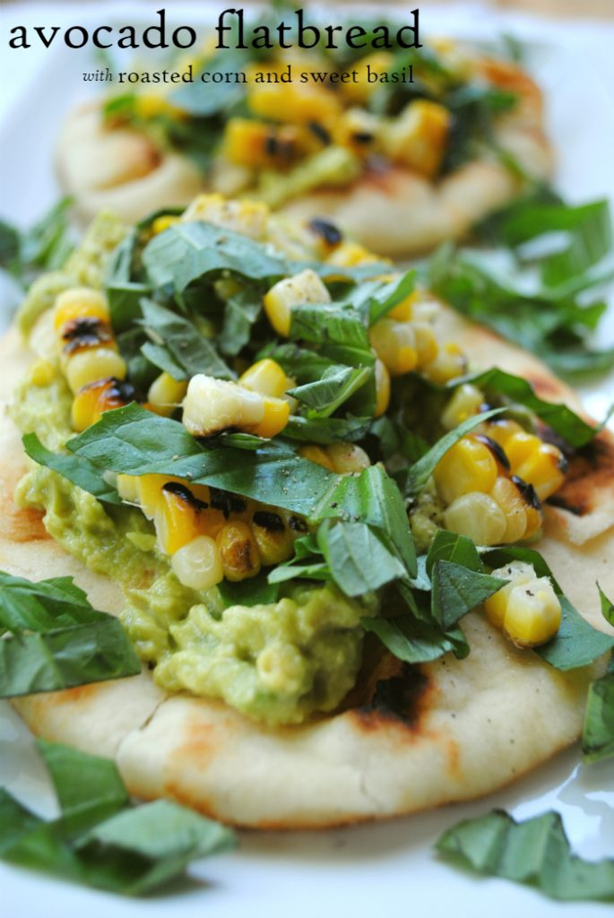 Avocado flatbread with grilled corn and sweet basil: an easy, delicious, healthy vegan meal! www.thatwasvegan.com