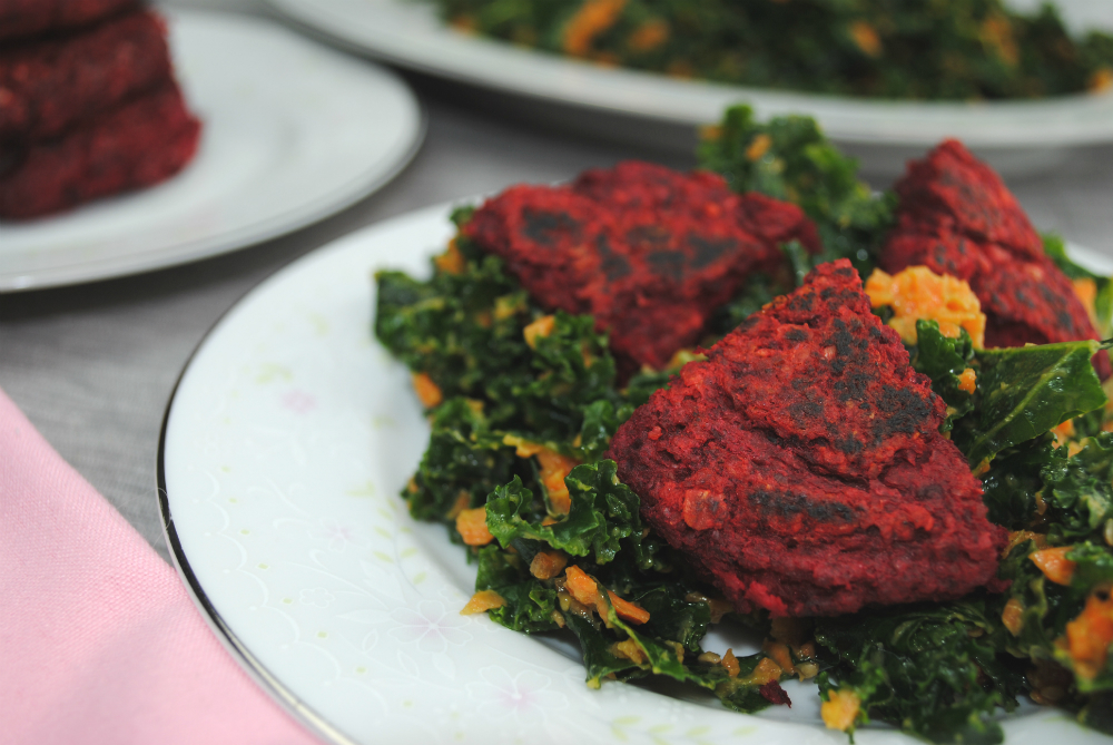 Beet Burgers | Flavorful and easy and 100% plant-based | www.thatwasvegan.com