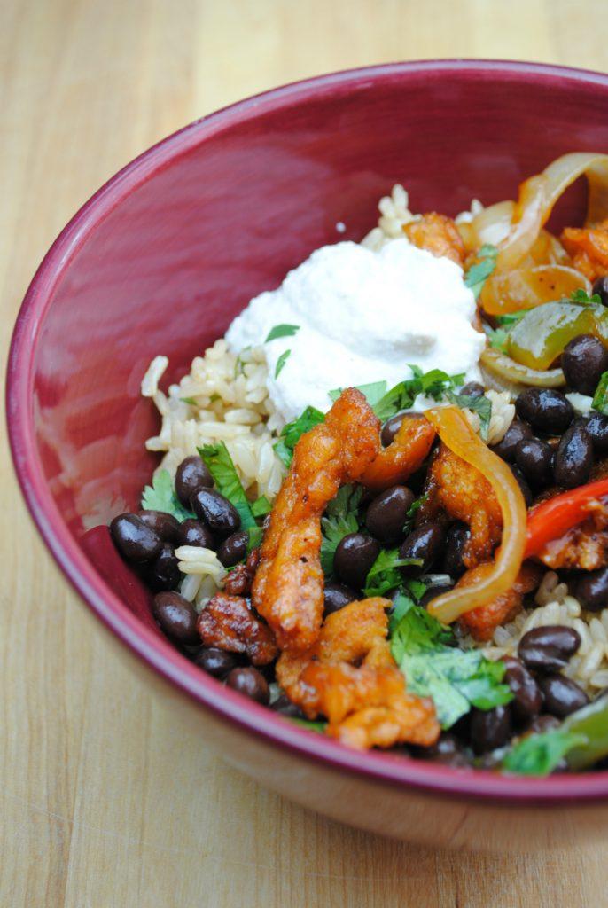 Vegan Chick'n Fajita Bowls | Flavorful, Spicy, Healthy, Delicious | www.thatwasvegan.com